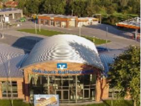 Bild der VR Bank Schleswig-Mittelholstein eG, Osterrönfeld am Kreisel